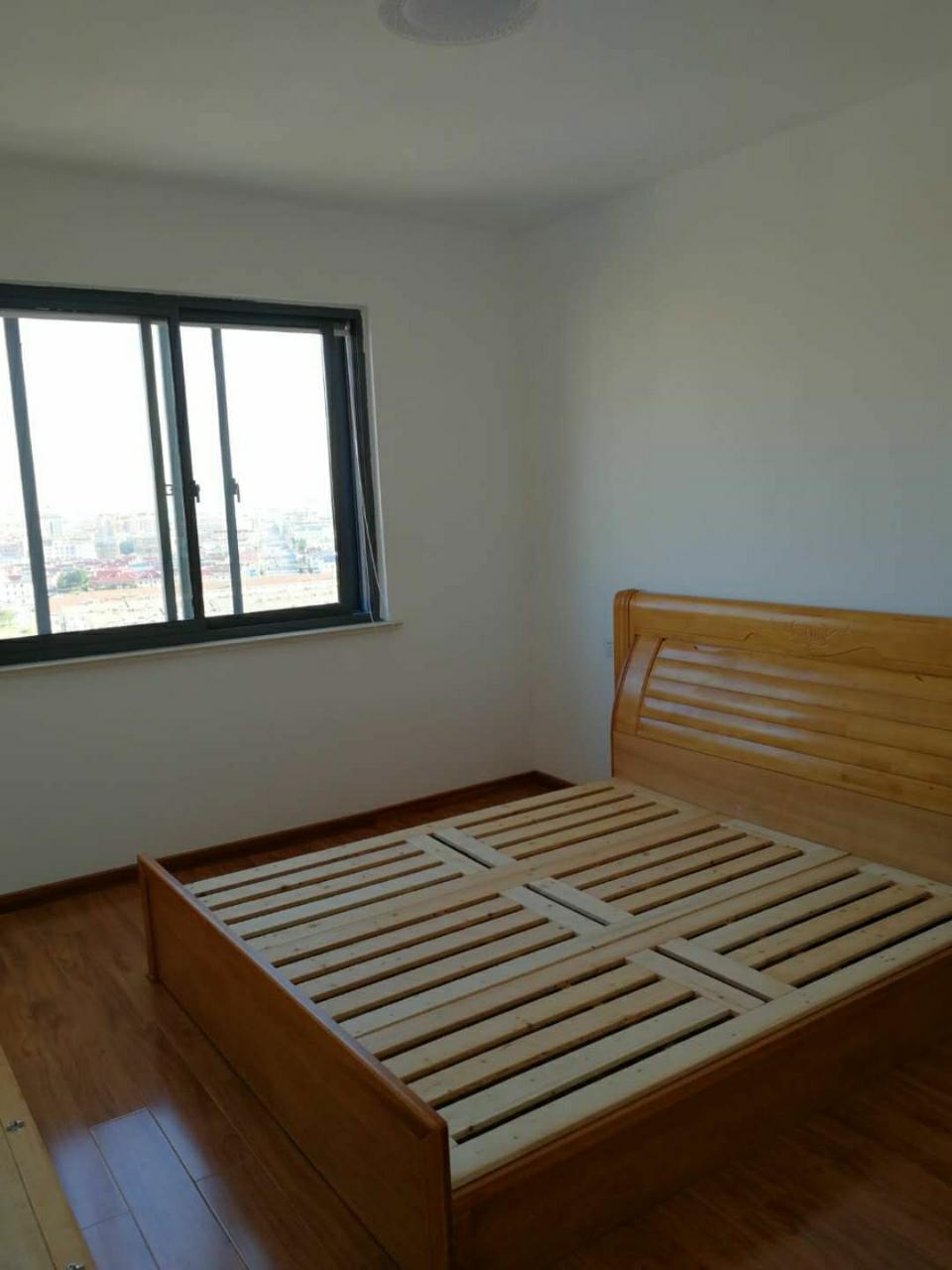 鑫和苑95平米精装修3室2厅1卫101万元