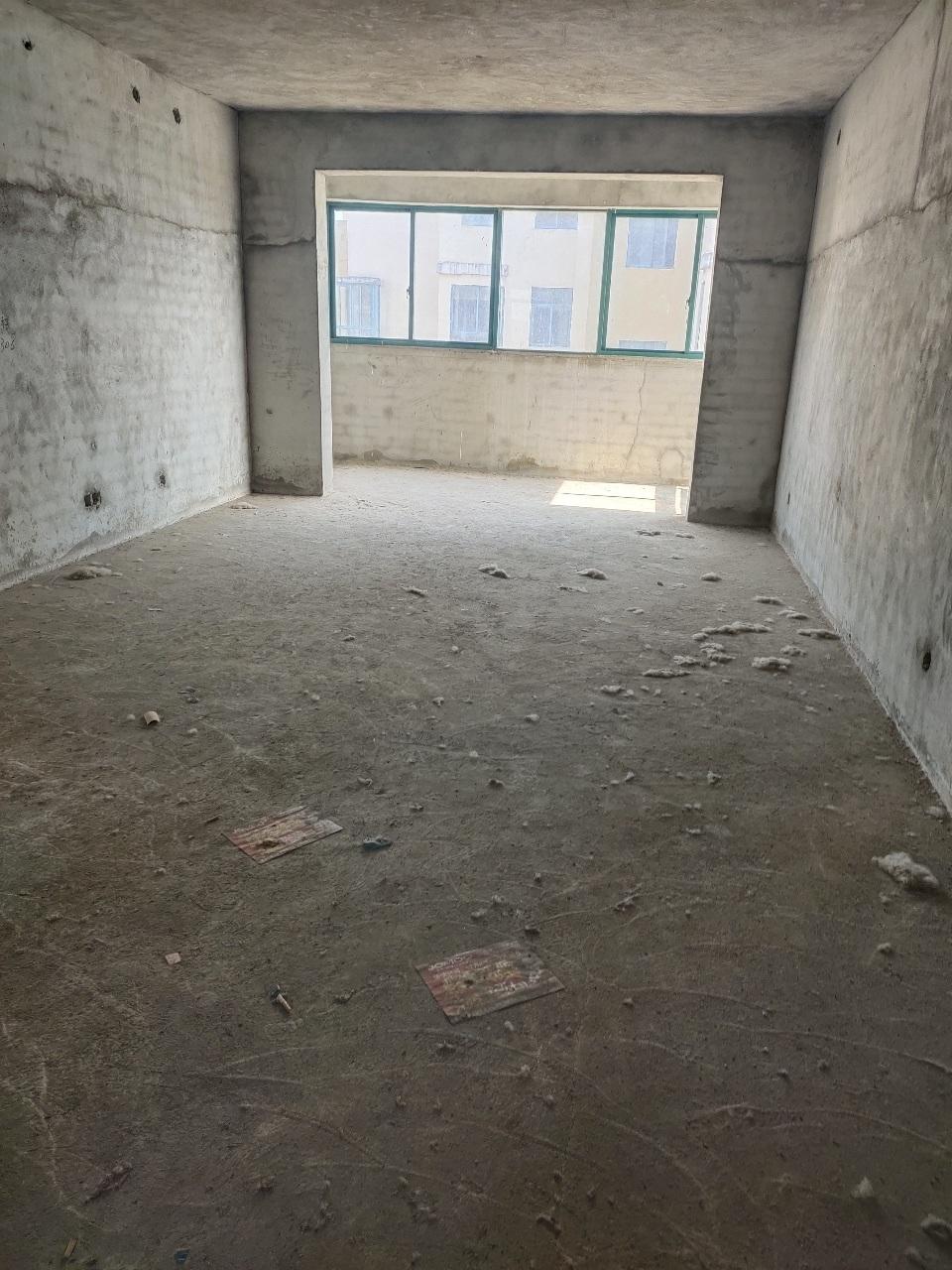 华夏花城3室2厅1卫27万元