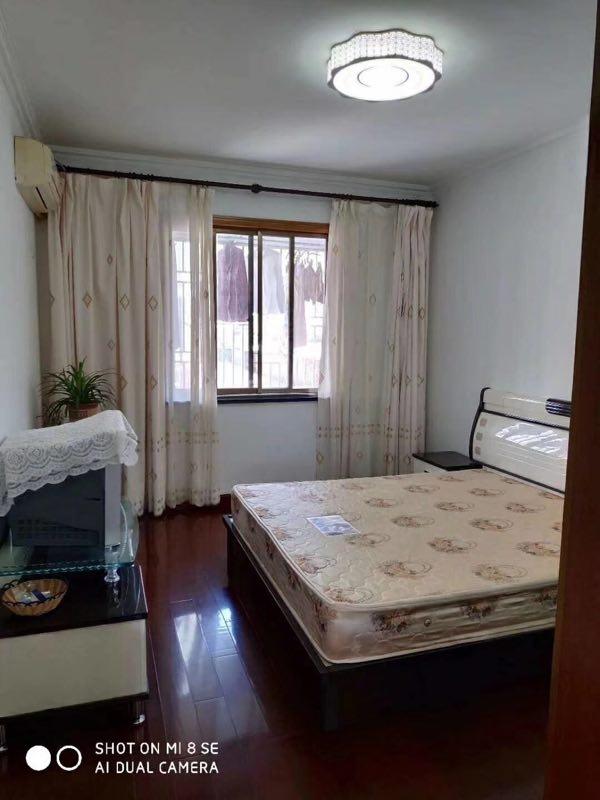 东元小区精装修120平3室2厅2卫88.8万元