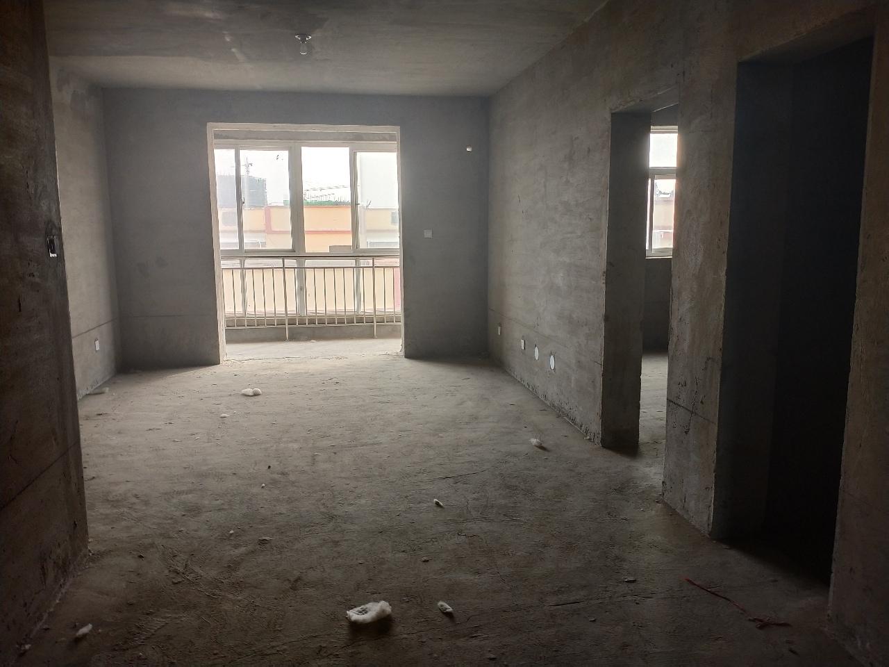 晨昊公寓3室2廳1衛36萬元