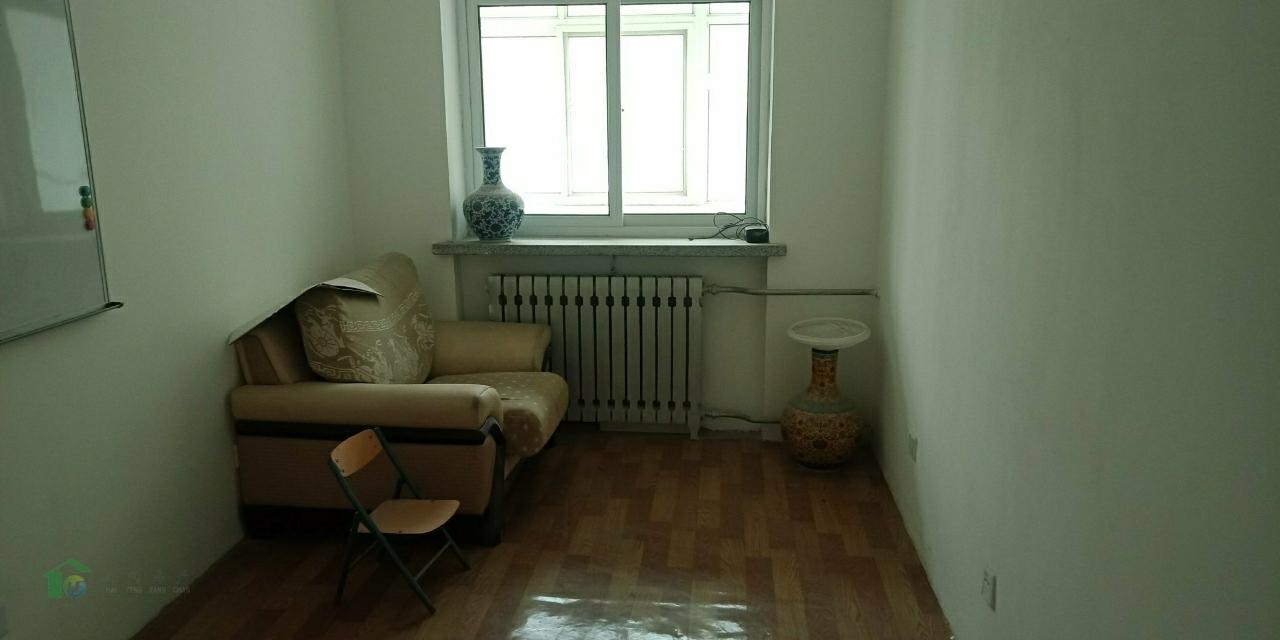 金桔园3室2厅1卫47万元