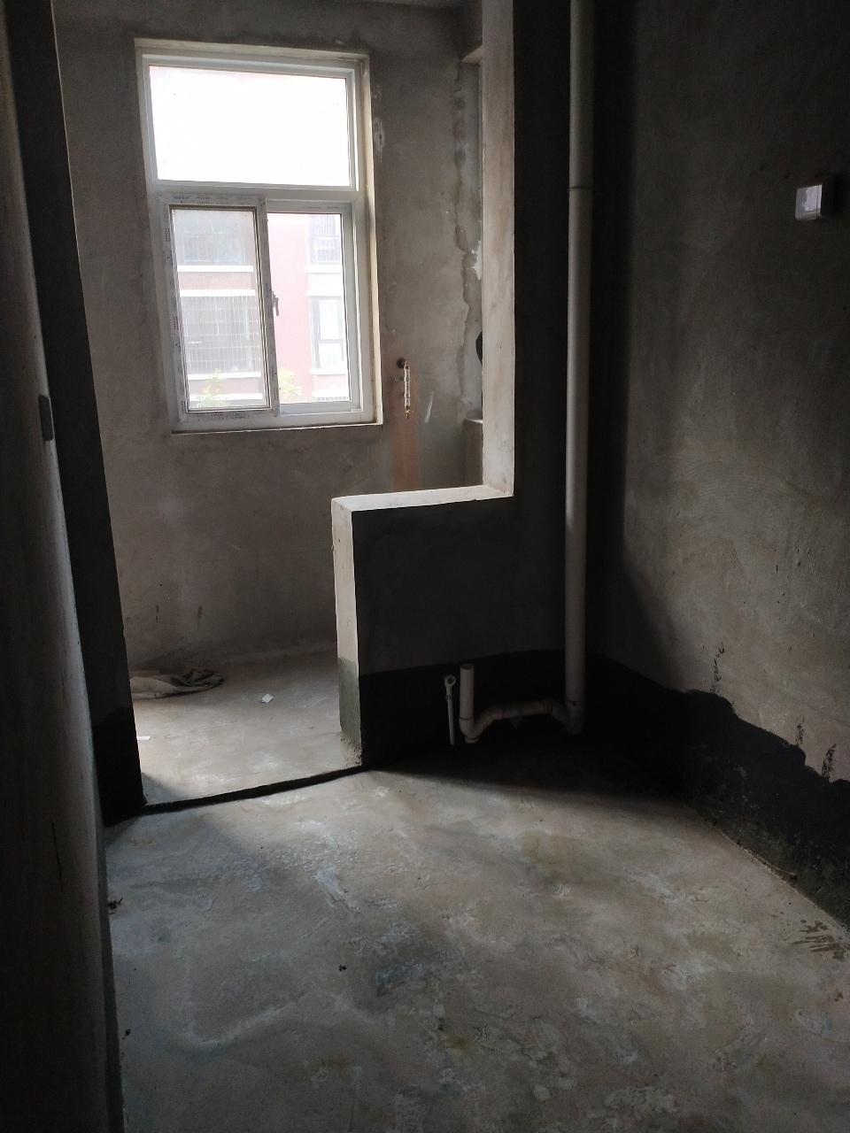 滑縣金秋華城3室2廳2衛68萬元