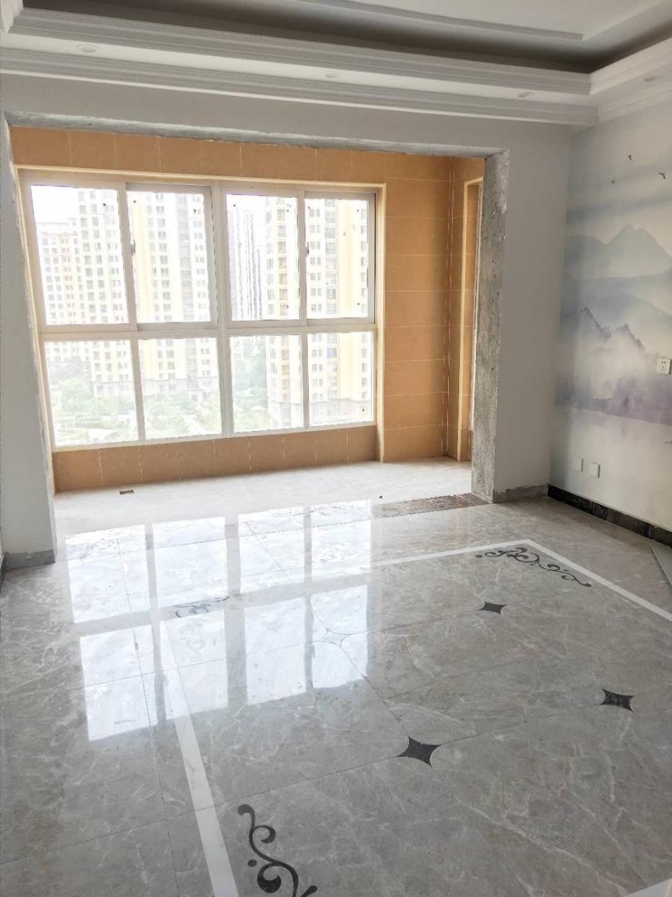 万嘉新城3室2厅1卫72万元