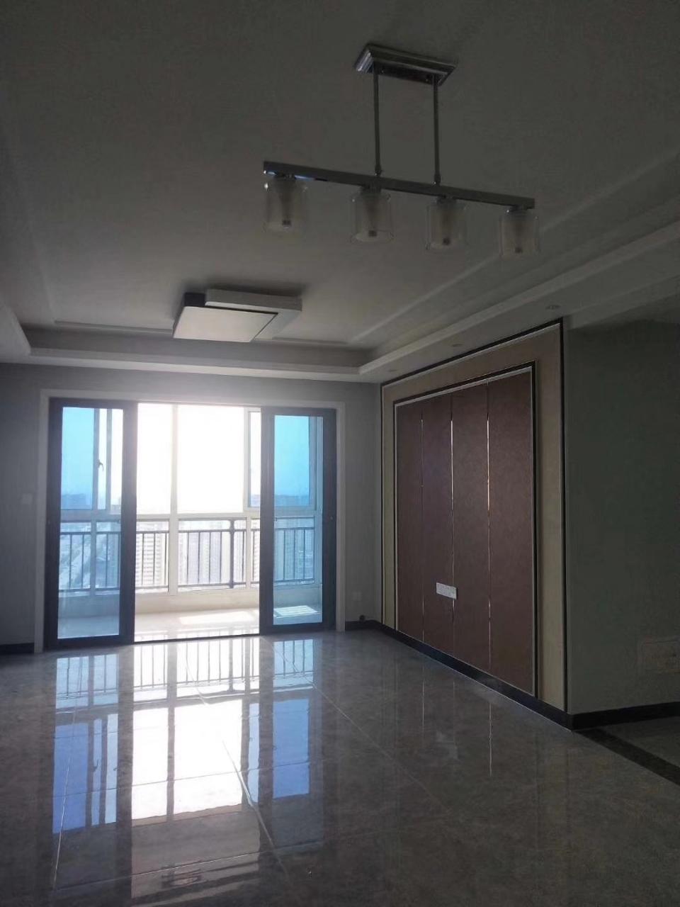 急售瑞景国际学区房3室2厅1卫73万元