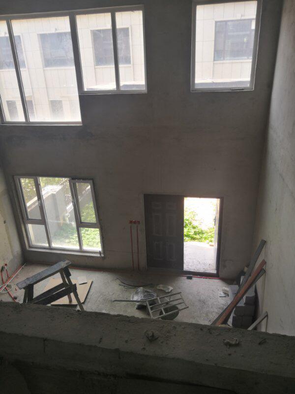 大海·丽苑别墅6室3厅加扩建320平360万