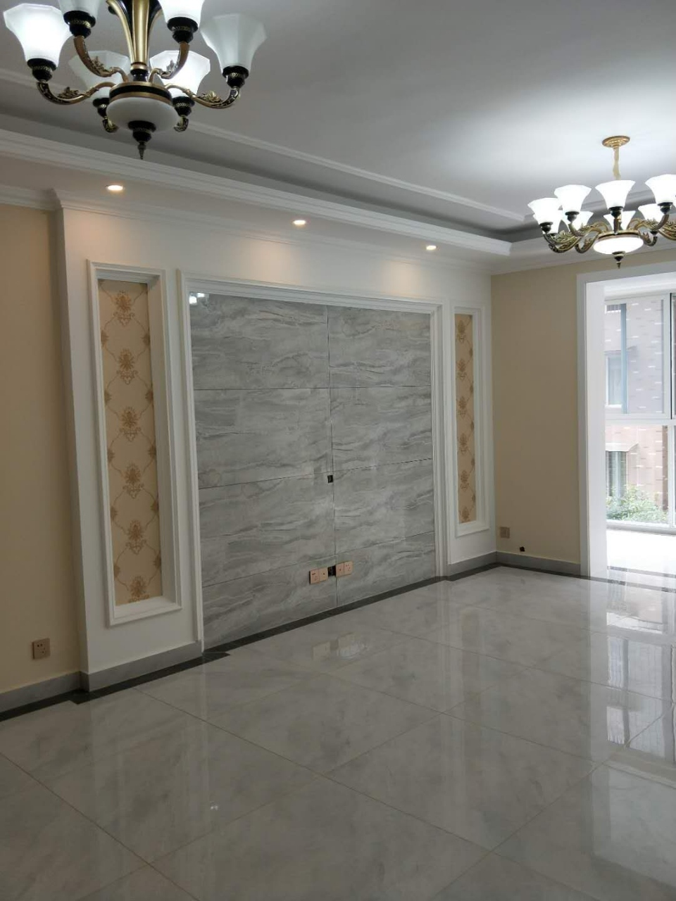 天府临邛4室2厅2卫107.8万元