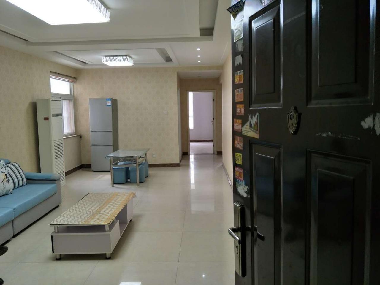 金泰王朝超低价102平精装2室2厅1卫55万元