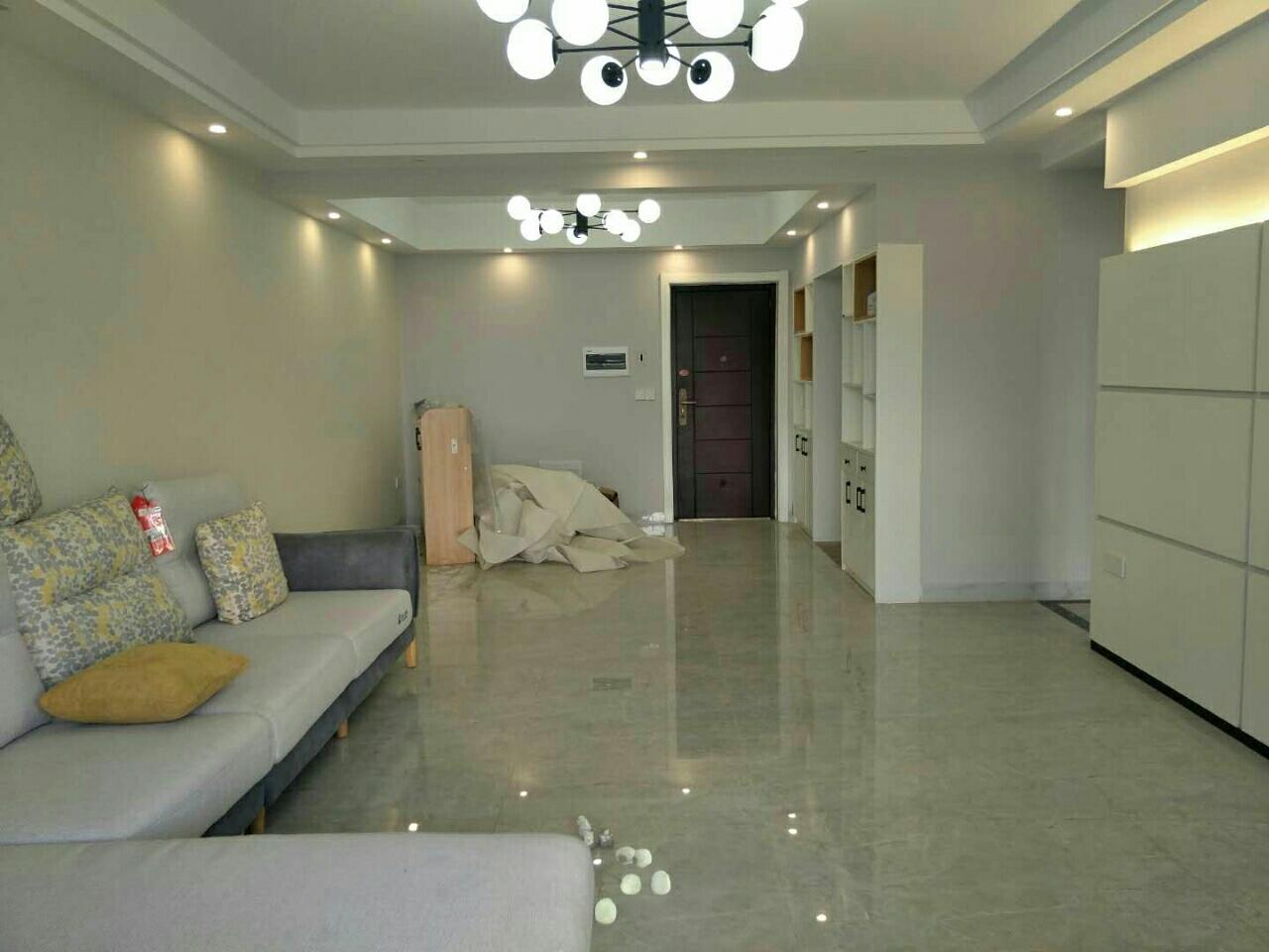 水印丹堤新装修三房95万,一线江景
