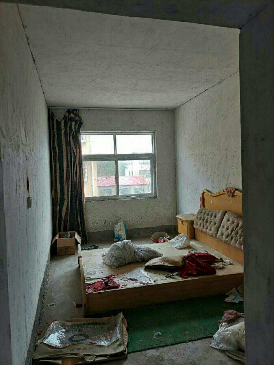 審計局家屬院3室2廳1衛39萬元車庫10萬另算