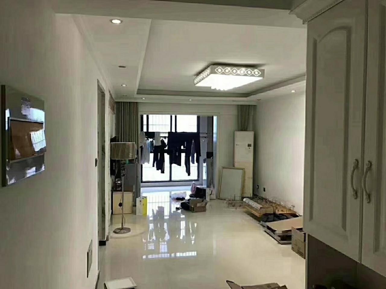 瑞景国际  21楼  精装修现用钱 73万元