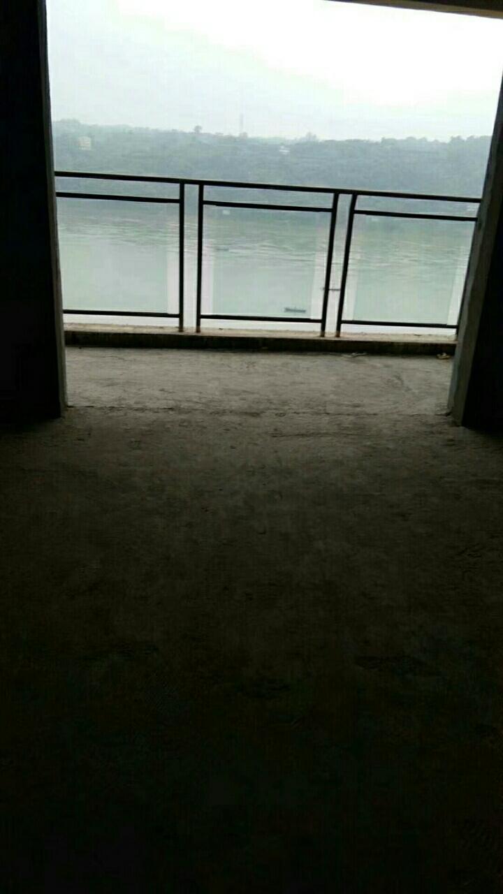 福地·御景城、正临江、3室 2厅 2卫88万元