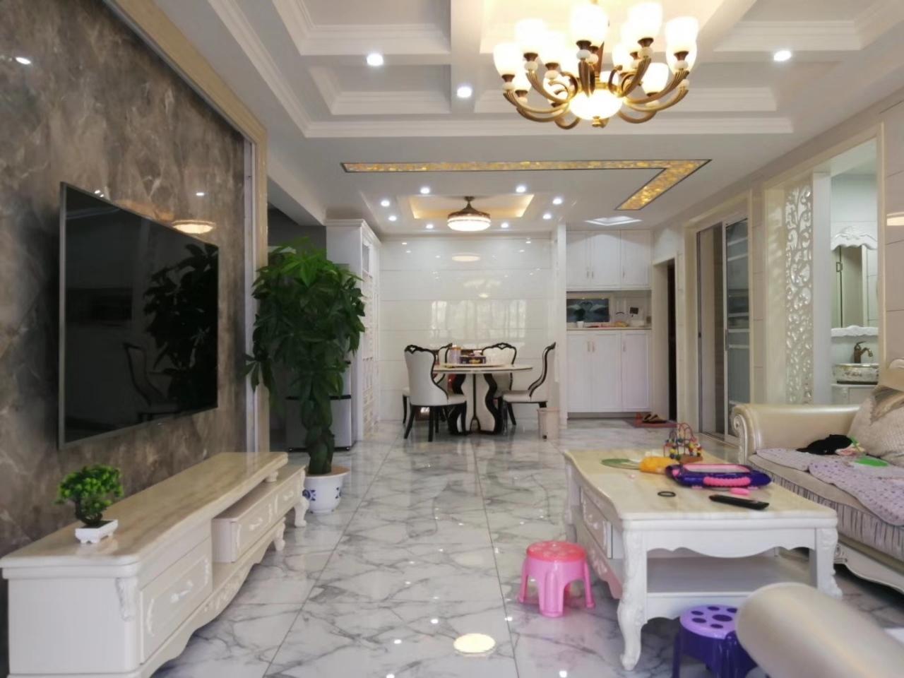 北辰花苑3室 2厅 2卫158万元