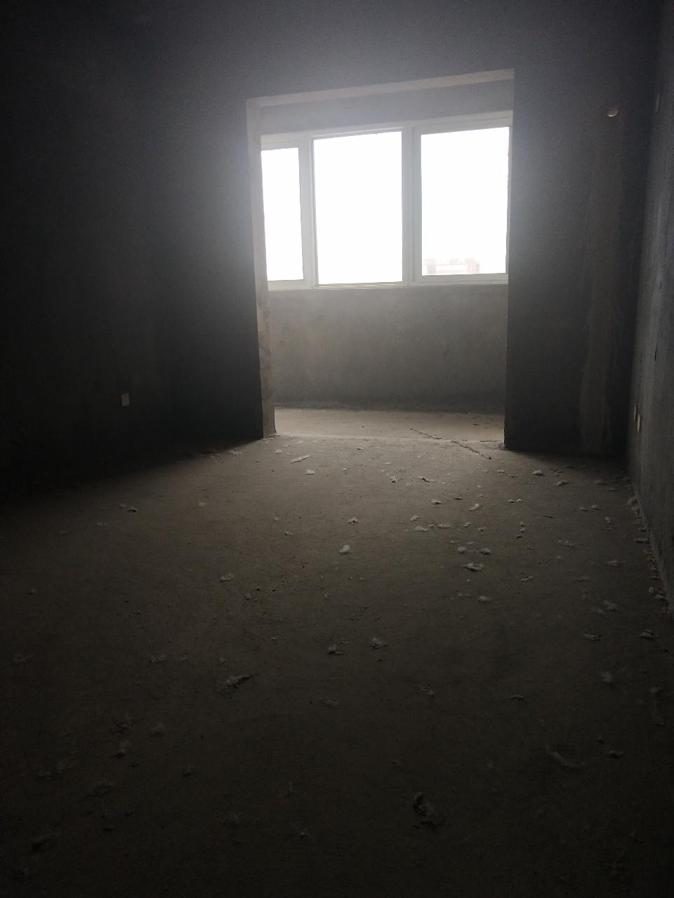 一峰城市广场1室 1厅 1卫15.5万元
