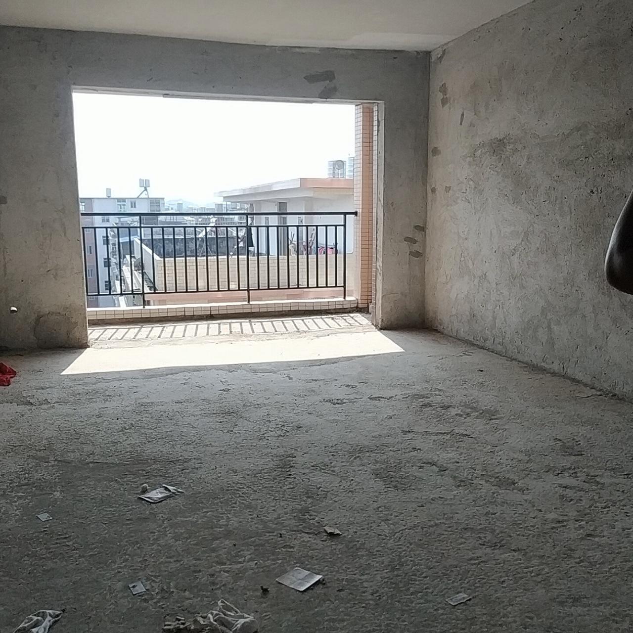 贡江雅苑电梯房3室 2厅 2卫,黄金楼层仅售82万