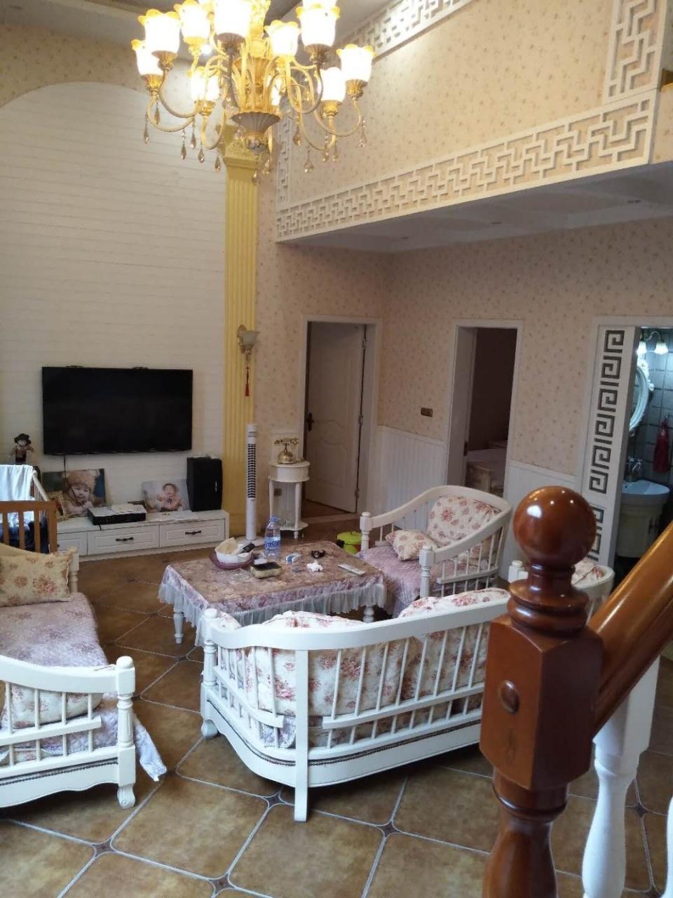长江国际3室 2厅 2卫110万元