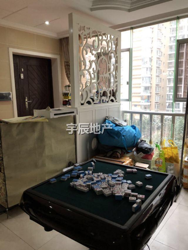 龙祥华府3室 2厅 2卫86万元