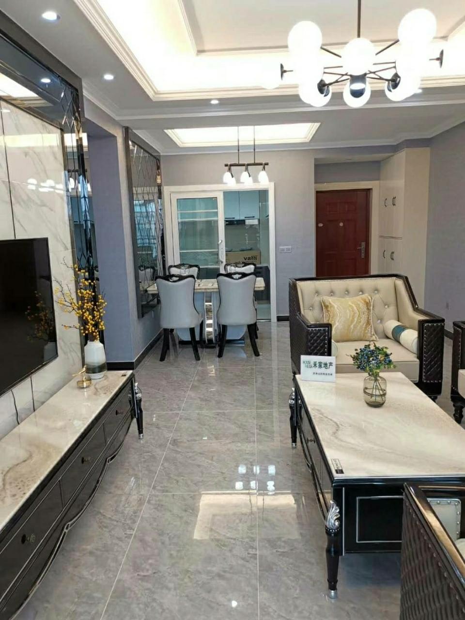 宏帆广场4室 2厅 2卫106.8万元