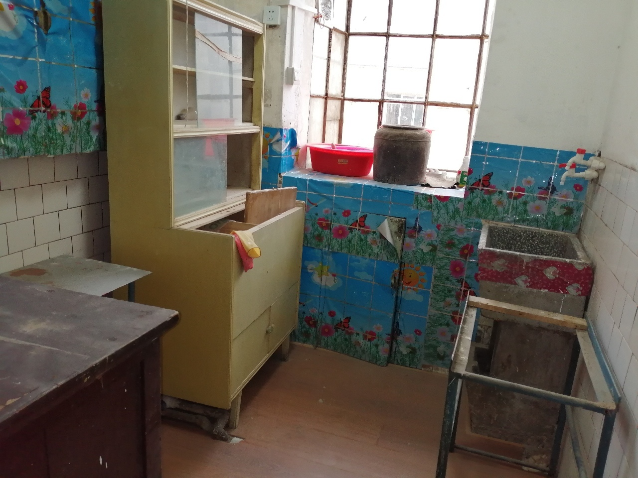 中医院家属楼2室 1厅 1卫21.5万元