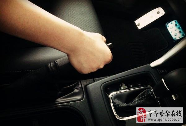 刹车失灵莫慌!这几招有效减缓车速