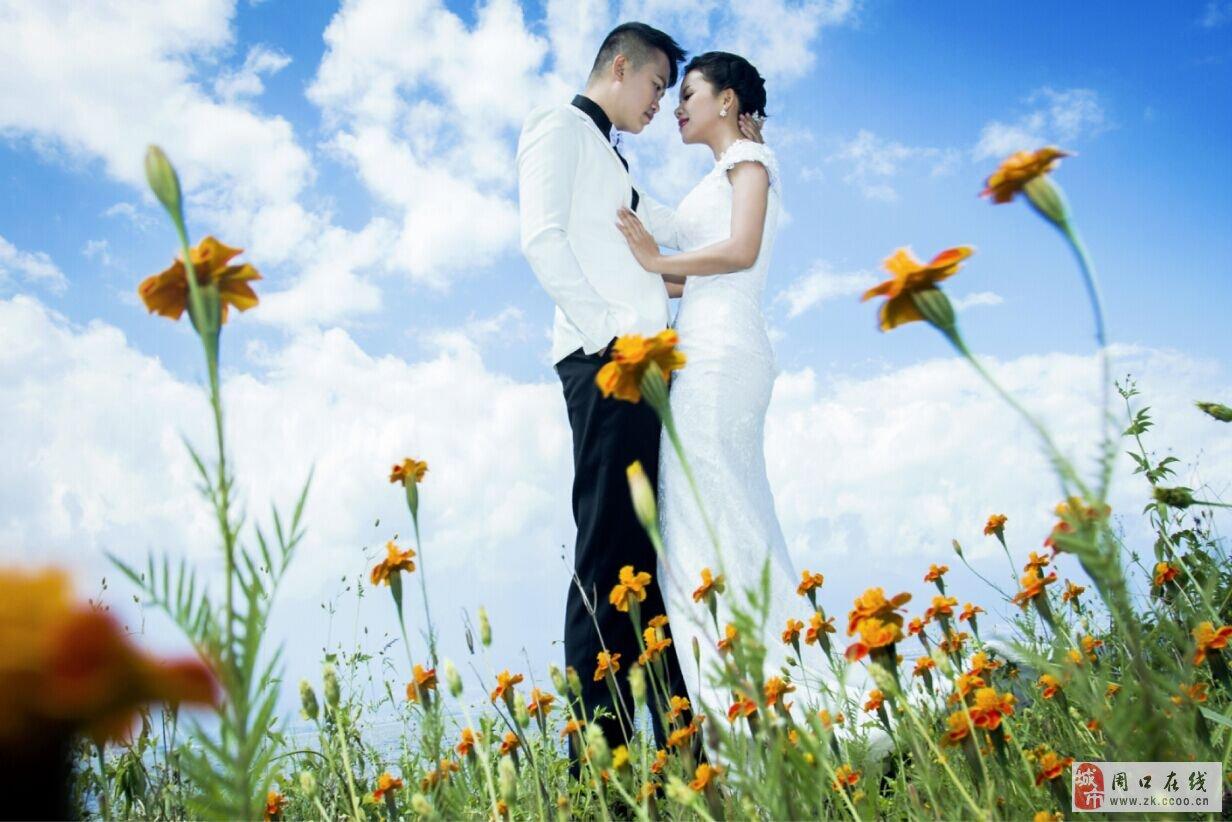 大理婚纱摄影怎么拍摄花海婚纱照