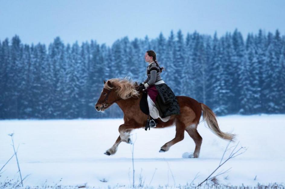 你可以骑马在雪地里驰骋