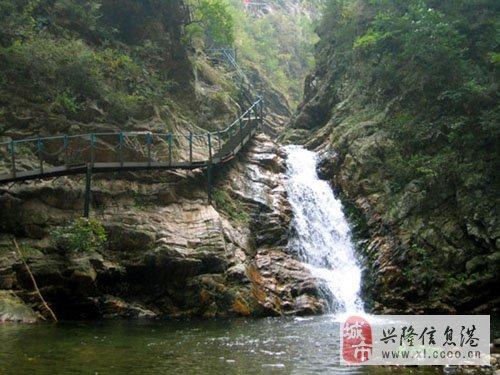 青松岭大峡谷九龙潭风景区