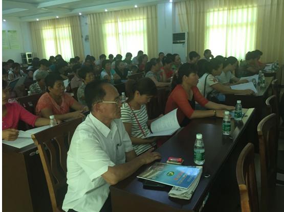 龙江镇开展庆祝计生协会成立36周年计生知识培训_琼海