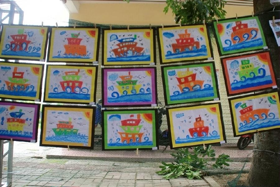 小红星幼儿园举办第一届宝宝画展