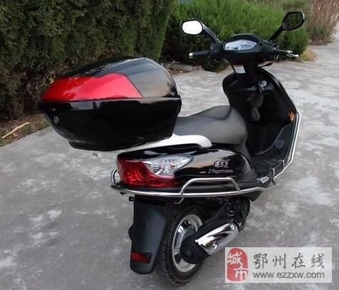 诚心廉价出售 成色如新性能稳定的踏板摩托车况好