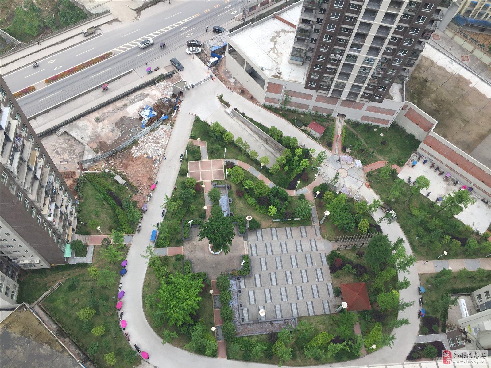 上甲31克拉,83㎡,顶楼跃层,带屋顶花园