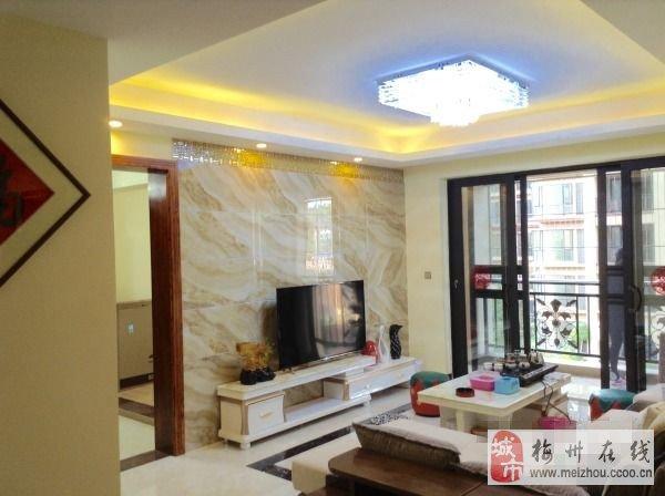 客天下全新豪華裝修包家私家電三房兩廳未住人出售