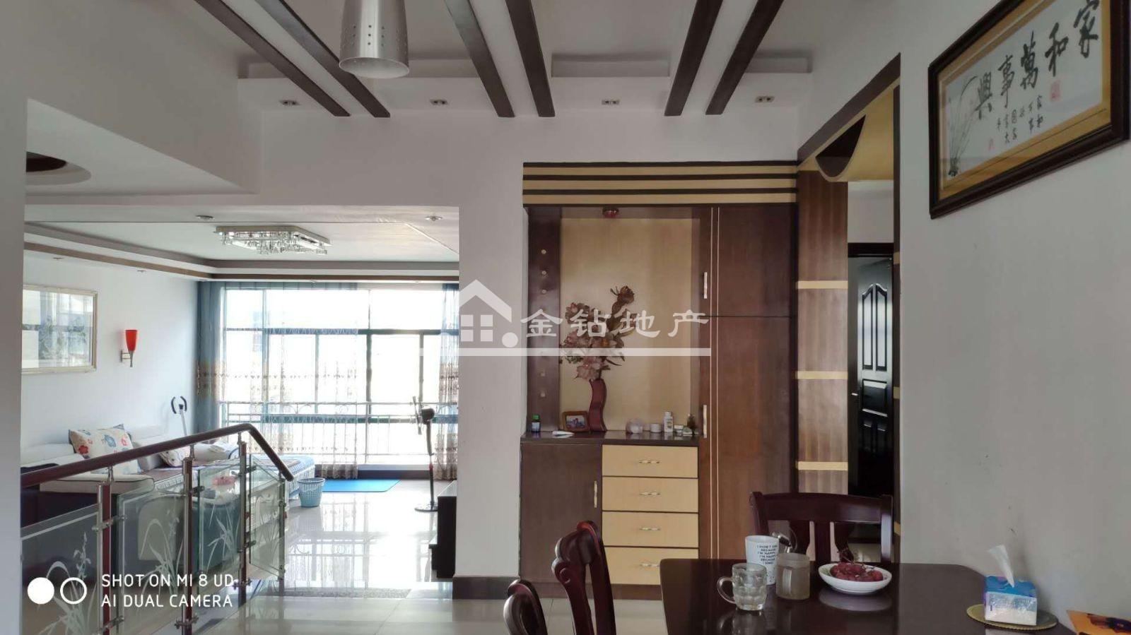 阳光水岸1期95万3室2厅2卫普通装修好楼层好位置低价位