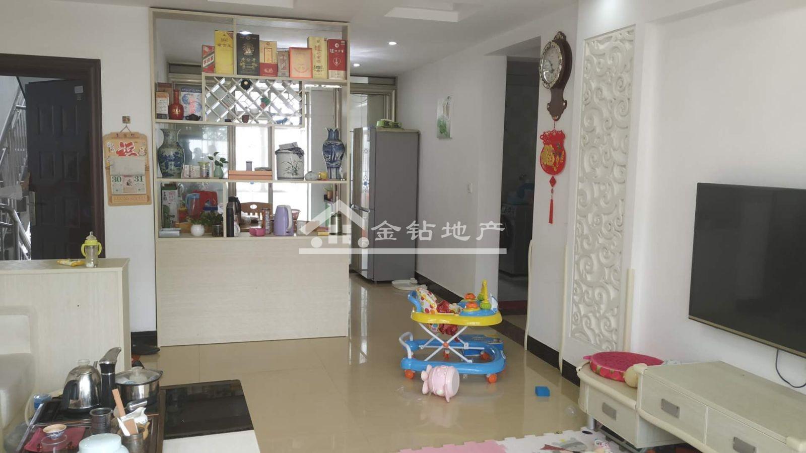 好家园90万3室2厅2卫普通装修难得的好户型急售