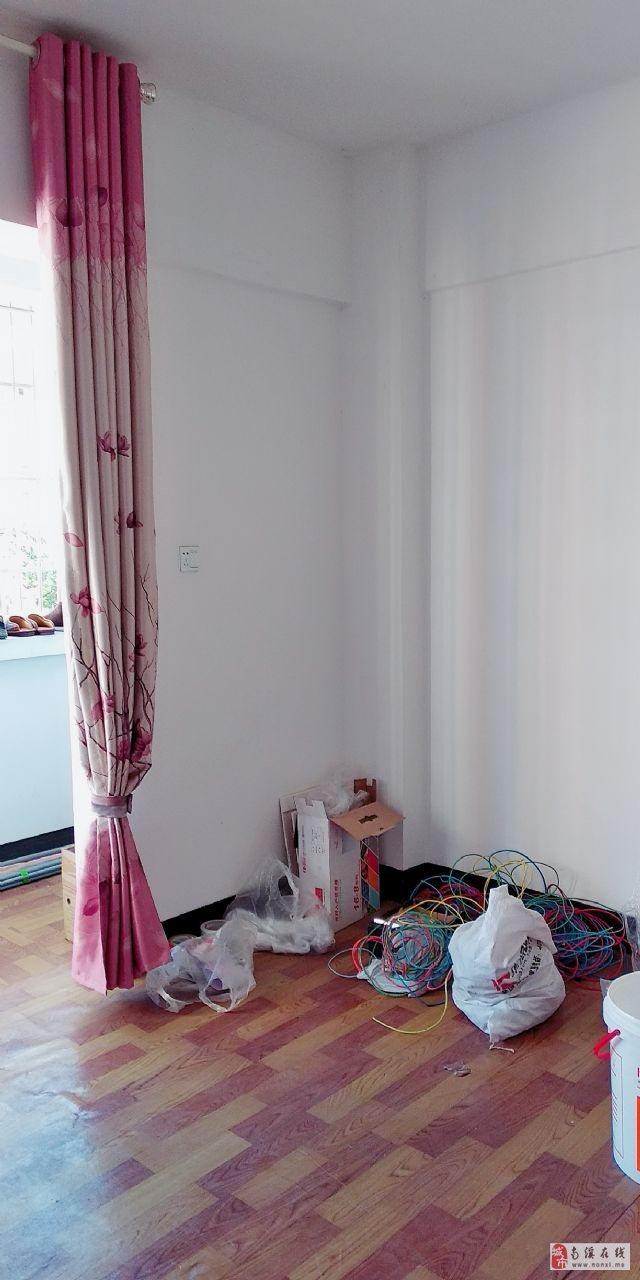 秀溪苑(明安街500号)3室2厅2卫44.8万元