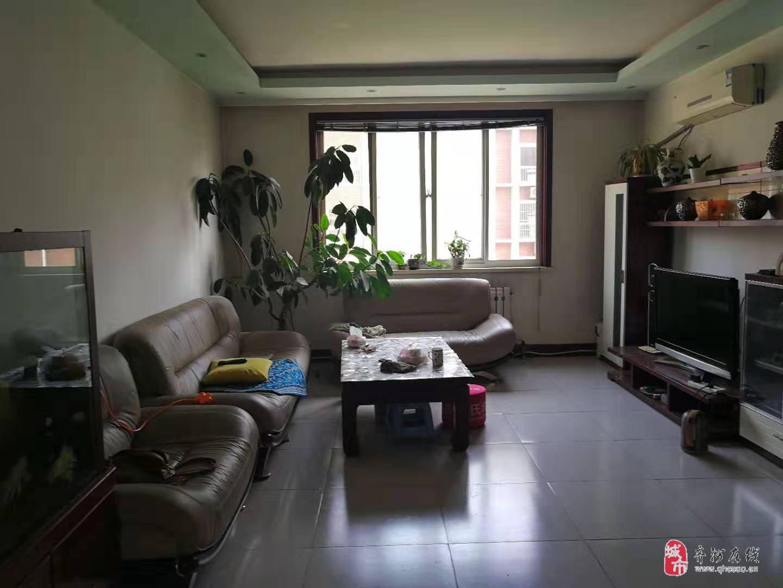 湖濱東苑3室2廳1衛116萬元