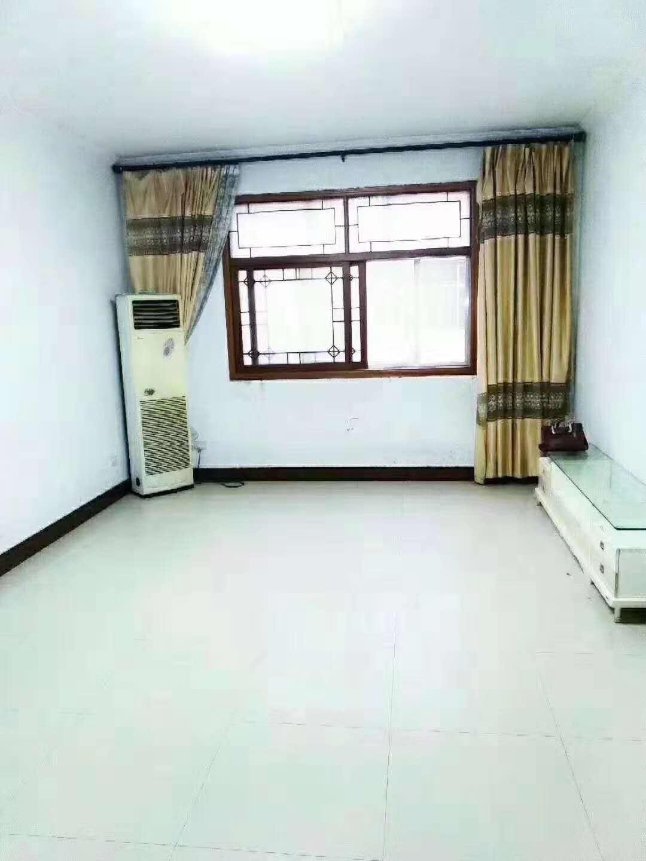 长社路众品家属院140平方三室一厅两卫精装房出售!送家具家电