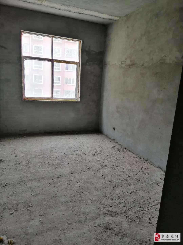 出售電梯房融景新城帶個車庫,2室1廳1衛31萬元