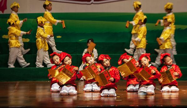 幼儿舞蹈活动主题网络结构图