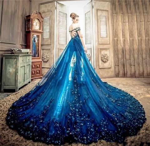 露肩婚纱 最新款式婚纱礼服