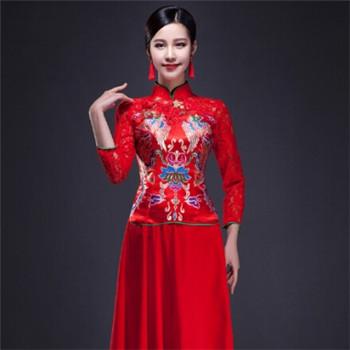中式新娘旗袍礼服 典雅端庄的新娘礼服