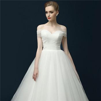 时尚婚纱礼服推荐 新娘喜爱的婚纱款式