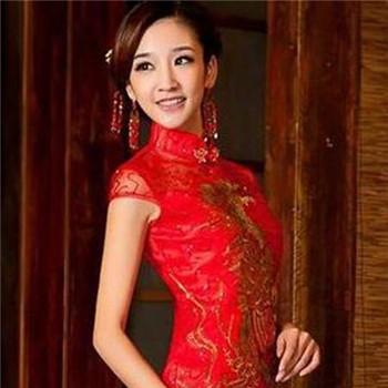 中式旗袍新娘�l型 �m合中式婚�Y的�l型