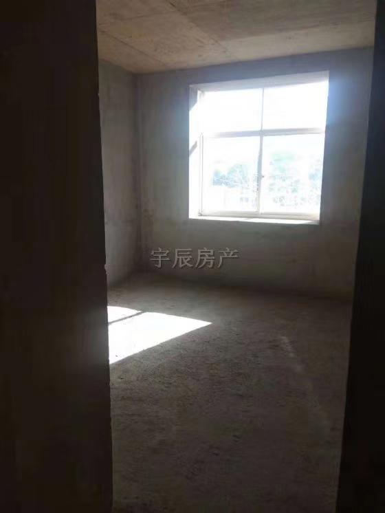 尚品国际4室 2厅 2卫62.5万元
