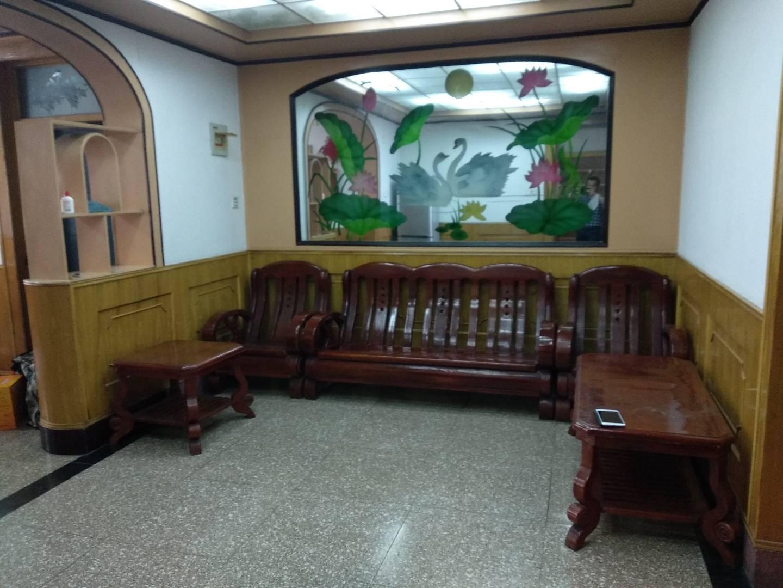 石字路小學北門步行兩分鐘3室 2廳 1衛42萬元