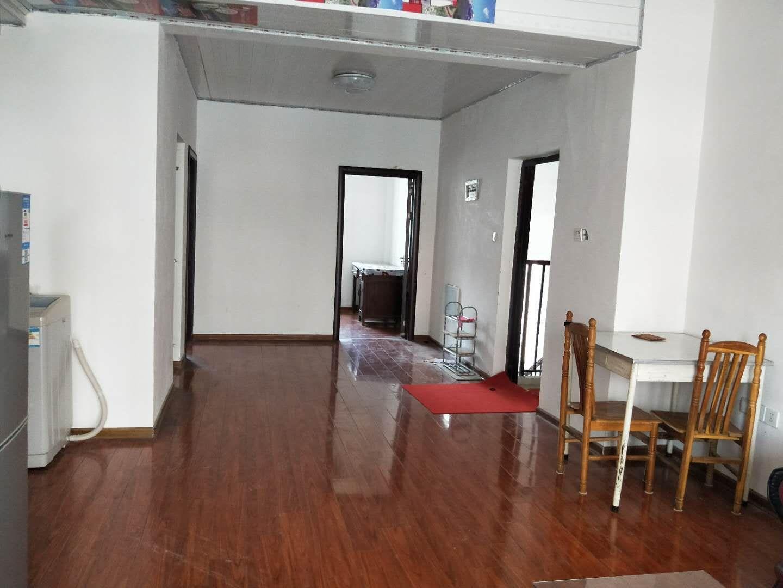 龙登和城3室 2厅 1卫73万元