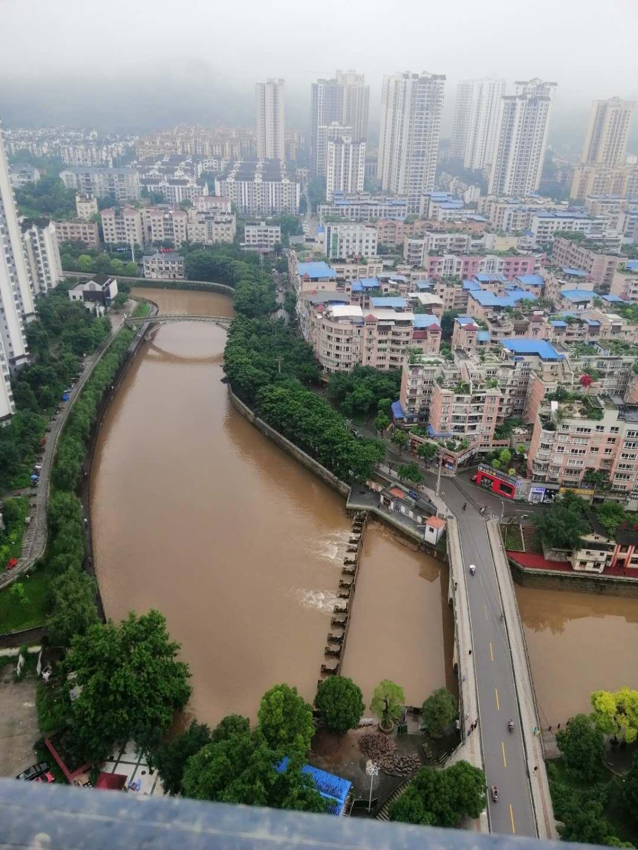 陽光鑫城3室 2廳104平米48.8萬急售