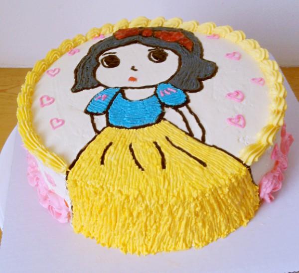彩色双层蛋糕简笔画